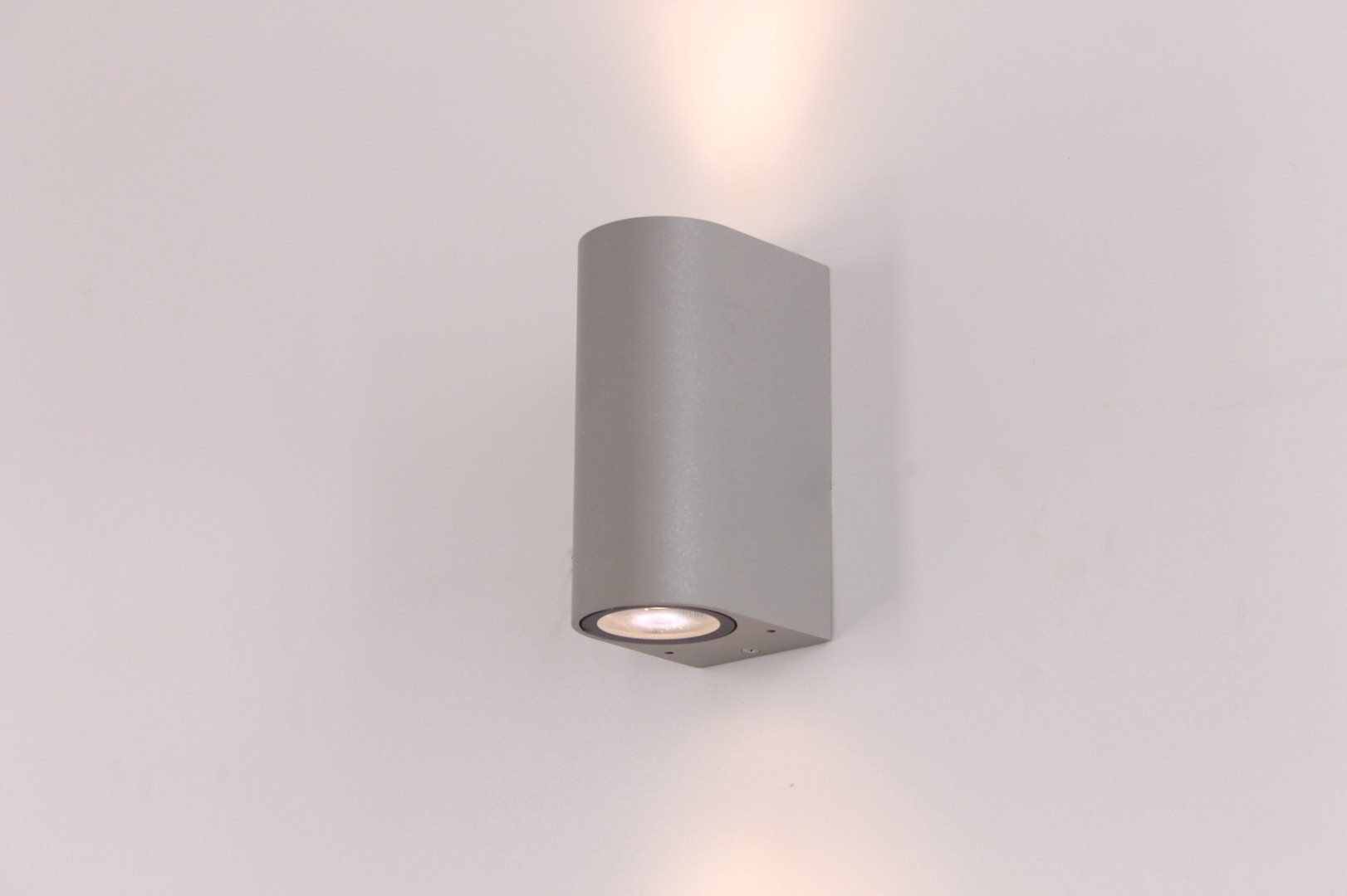 Buiten wandlamp zilver up / down LED lamp
